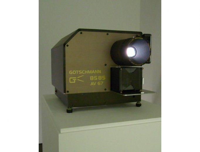 Geert Goiris, »Whiteout«, 2008-2010. Dia 1-6 von insgesamt 49 Mittelformat-Dias (6x7cm). <br>© Geert Goiris, Hamburger Kunsthalle <br>Foto: Barbara Sommermeyer