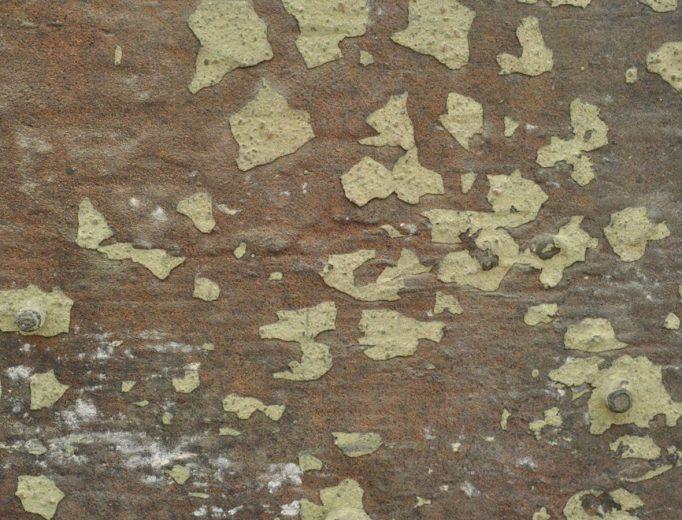 Cy Twombly: <i>Rotalla</i>, 1986 <br>Bronze, Abguss von 1990  <br>Bayerische Staatsgemäldesammlungen, Museum Brandhorst / Udo und Anette Brandhorst Sammlung <br>Inv. Nr. UAB 463<br>Detailaufnahme rechts oben: Schamottereste auf gussrauer Bronze<br>Foto: Michaela Tischer, Bayerische Staatsgemäldesammlungen, München  <br>© Cy Twombly Foundation